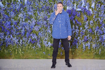 raf-simons-leaves-dior-5-suzy-vogue-22oct15-getty_b